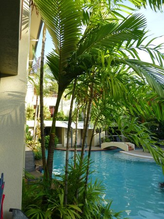 Meridian Port Douglas: Step out to the pool