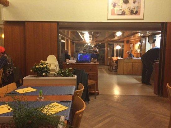 Pizzeria Frohsinn: interior