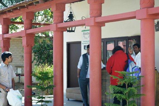 Tiger Den Resort: Reception
