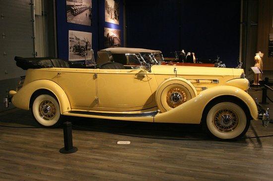 Fountainhead Antique Auto Museum: 1