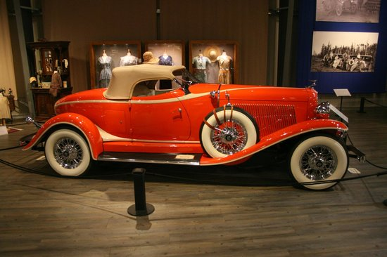 Fountainhead Antique Auto Museum: 6