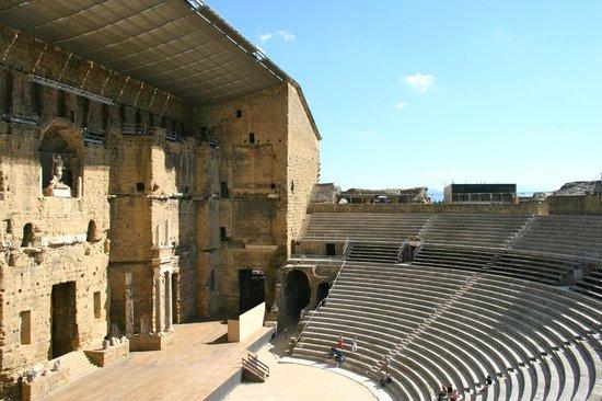 Roman Theatre of Orange: Mur de scène