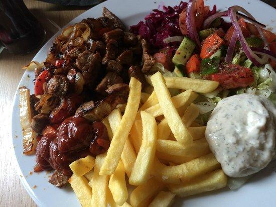 Rosenthaler Grill und Schlemmerbuffet: assiette viande rouge marinée