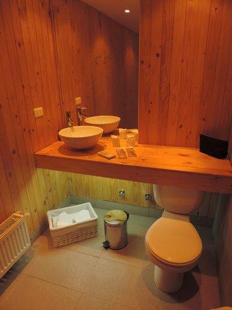 Ilaia Hotel : Lovely bathroom