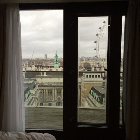 Park Plaza County Hall London: View from Room 1407