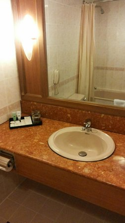 Sunway Hotel Phnom Penh : Bathroom