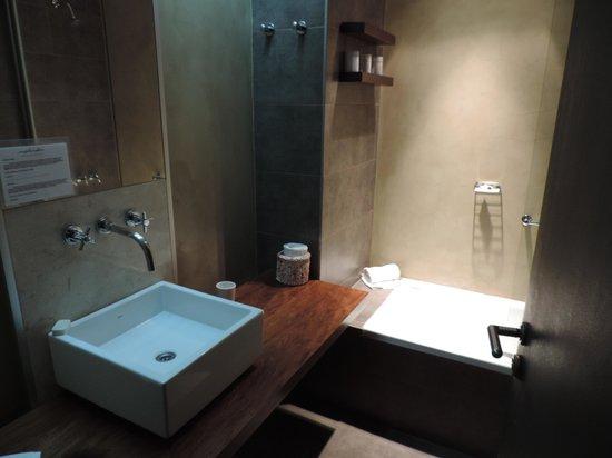 Esplendor Hotel El Calafate: Bathroom