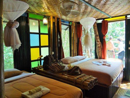 Khao Sok Tree House Resort: chambre