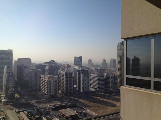 Grand Midwest Tower Hotel & Hotel Apartments : View from 21st floor suite looking inland