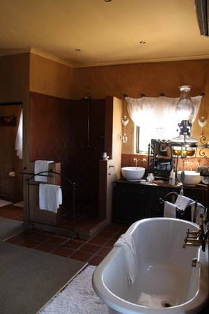 Dio Dell'Amore Guest House: Open bathroom