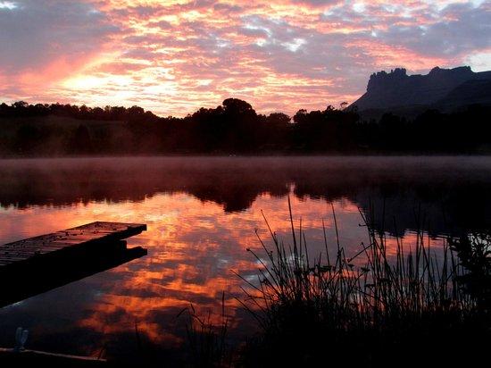 Lake Naverone Holiday Cottages : Sunrise 23 Feb 2014 at around 6 am