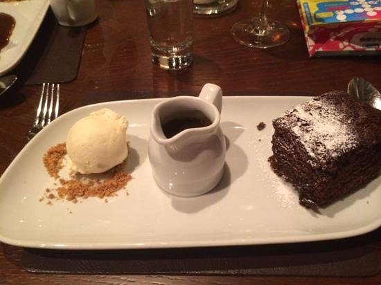 North Lakes Hotel & Spa: sticky toffee pudding, absolutely delicious!