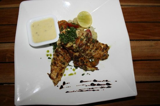 The Courtyard: Yummy snapper fish