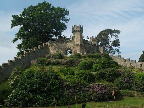 Warwick Castle: castle wall