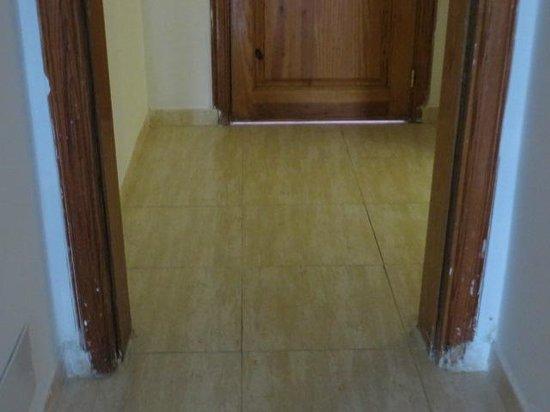 Apartamentos Galeon Playa : MARCOS DE LAS PUERTAS PINTADOS