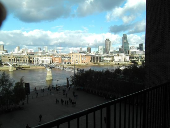 Tate Modern : View of London from top Caf'e.