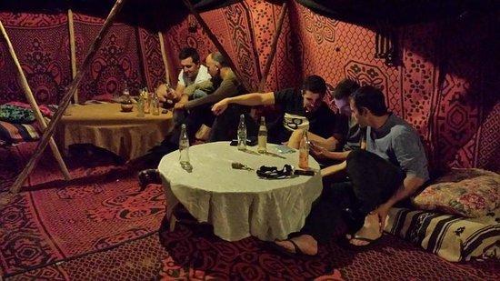 Auberge Camping Oasis El Mharech : Zona de descanso exterior