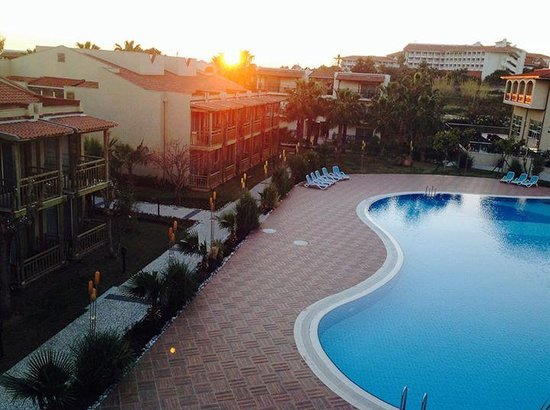 Paloma Oceana Resort: Sunset view