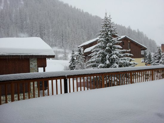 Hotel Avancher: vue sur l'arriere du chalet
