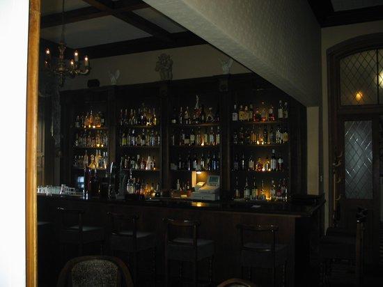 Ballyseede Castle : The castle pub