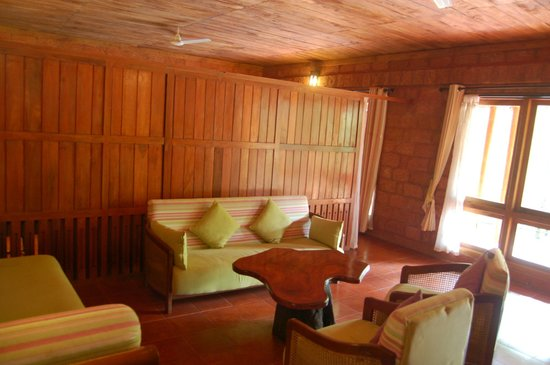 Banasura Hill Resort: sitting room of 302