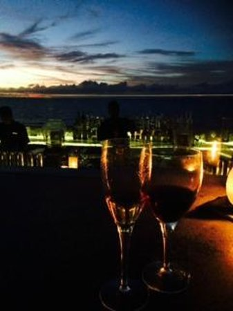 AYANA Resort and Spa: The Rock Bar: Breathtaking sunset