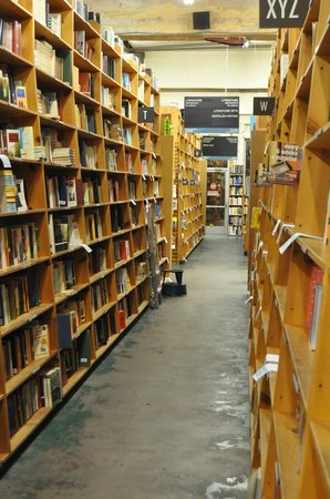 Powell's City of Books: Book Heaven