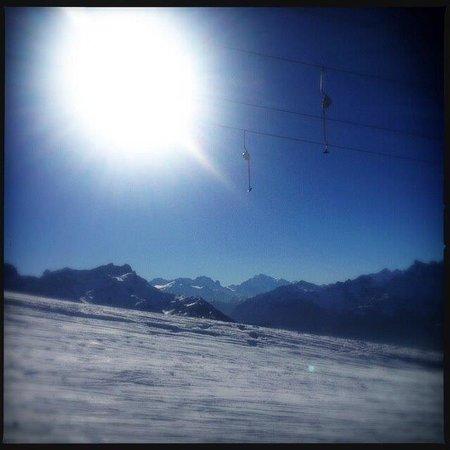 La Petite Table: Au cœur des montagnes suisses