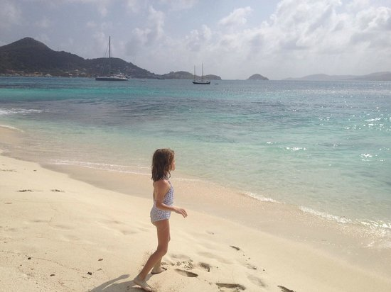 Petit St. Vincent Resort: Our daughter on beach