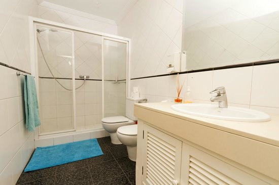 Pension Goiko: Clean and spacious shared bathroom