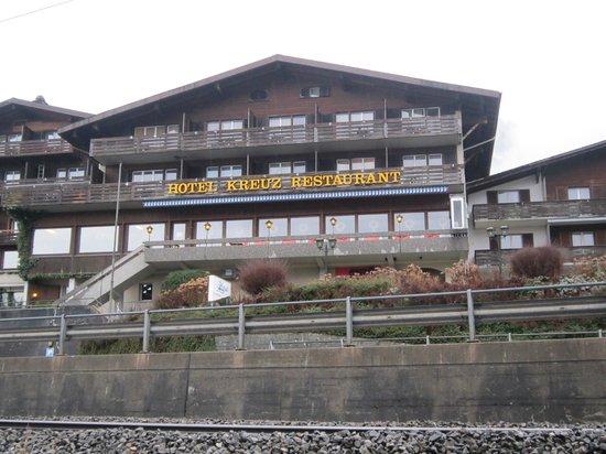 Hotel Kreuz: hotel from lake