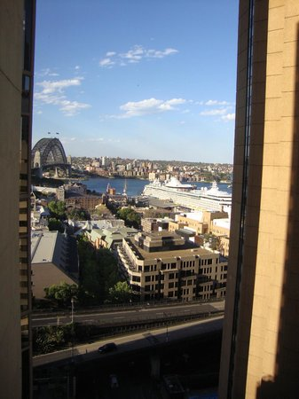 Quay West Suites Sydney : View from our room