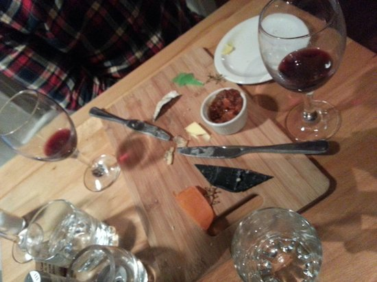 Bistro Bermo : Board of local cheeses (or it was)