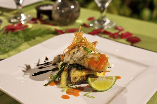 Savasi Island Villas: Grilled local catch on a sweet potato gratin with balsamic reduction
