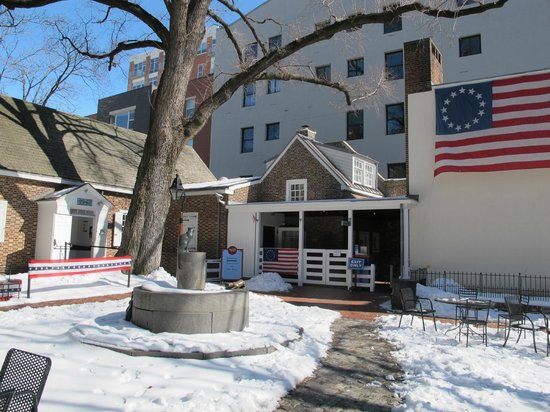 Betsy Ross House: Unique