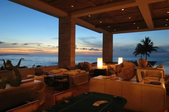 Sunset Lounge - Four Seasons Resort and Residences Anguilla: Sunset Lounge at sunset