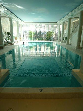 Shangri-La Hotel Paris: Piscine3