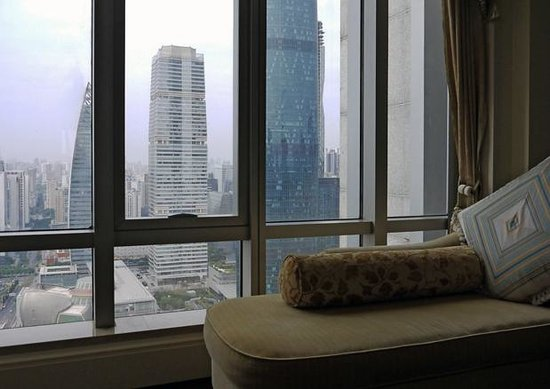 The Ritz-Carlton, Guangzhou: View of Pearl River City from a room