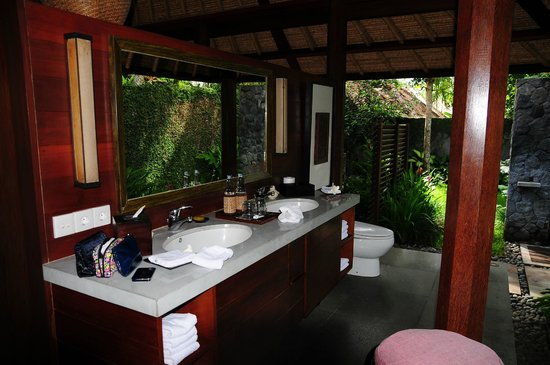 Kayumanis Ubud Private Villa & Spa: 洗面所