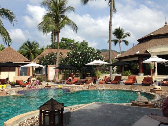 Pavilion Samui Villas & Resort : fint poolområde