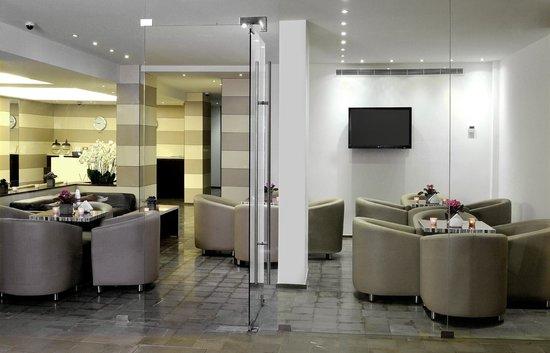 Vie Boutique Hotel: Hotel Reception