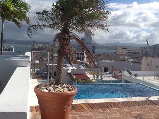 La Terraza de San Juan: View of splash pool and San Juan Bay from La Terraza rooftop terrace