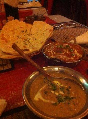Omar's Tandoori cafe : delicious!