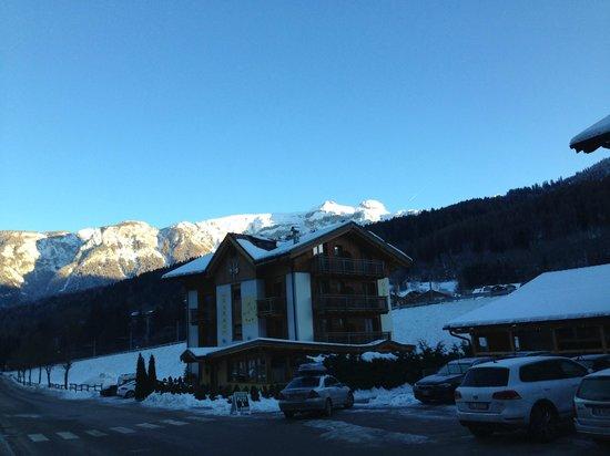 Garni il Giglio : Hotel in winter