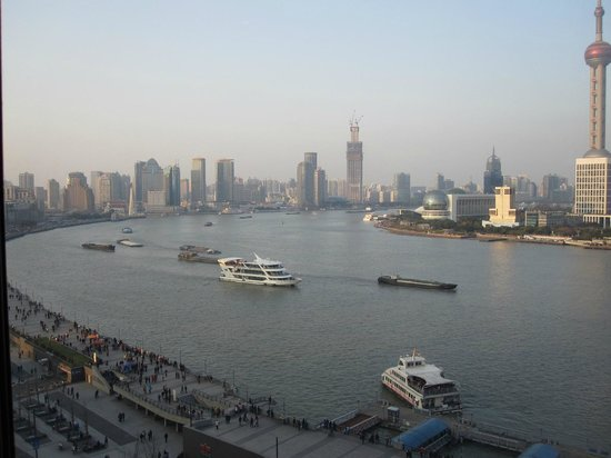 Les Suites Orient, Bund Shanghai : View from our hotel room (Bund delux)