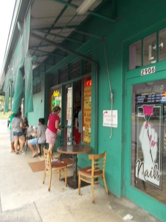 Andy's Sandwiches & Smoothies: お店入口