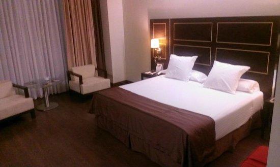 NH Gran Hotel Casino Extremadura: espaciosa y cómoda