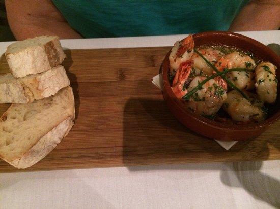 Rare Steakhouse Uptown: Garlic butter prawns
