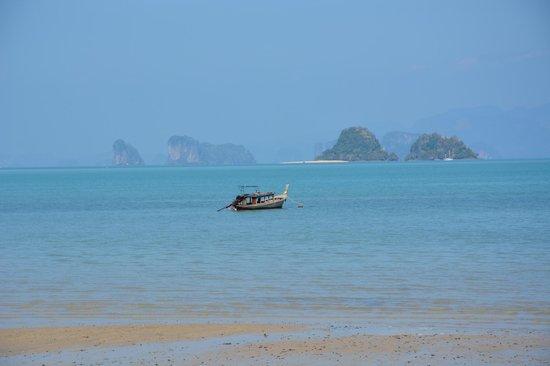 Thiw Son Beach Resort: view from restaurant