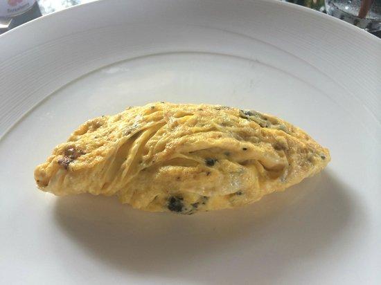 Paresa Resort Phuket : Truffle omelette